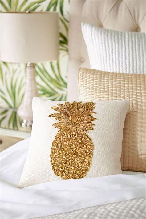 pineapple home decor ideas  add  tropical cheer digsdigs