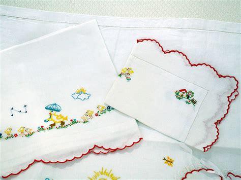 lenzuolini ricamati per lenzuolini fiori e favole acireale catania culle
