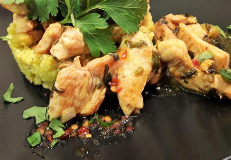 cuisine filet de poulet filets de poulet aux herbes la recette facile par toqu 233 s