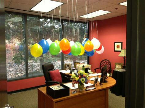 Office Desk Birthday Decoration Ideas Cumplea 241 Os Fiestas Y Eventos Cubicle