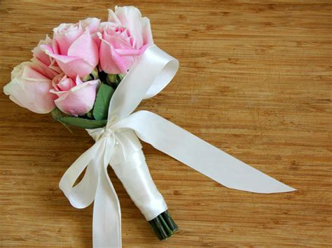 bouquet diy use silk ribbon to create a wedding bouquet how tos diy