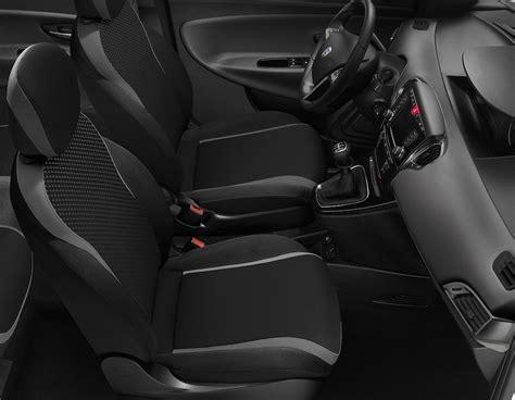 lancia y interno gli interni della lancia ypsilon 2015 autotoday it