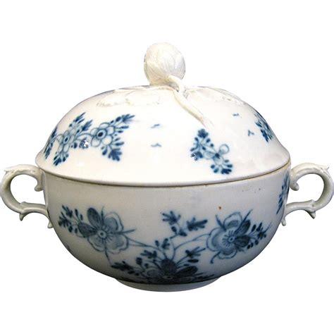 Shoo Vienna Blue royal vienna blue and white sugar bowl with strawberry