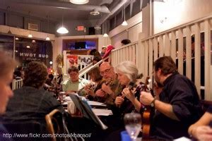 ukulele lessons in vancouver bc vancouver ukulele circle music self played is happiness