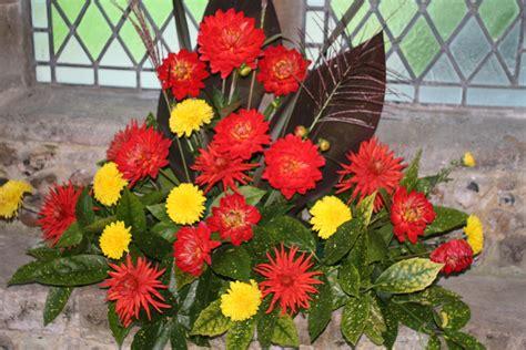 arranging flowers flower arranging st s church sawston