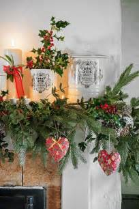 best 25 cottage christmas decorating ideas on pinterest