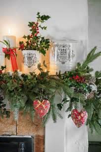best 25 cottage christmas decorating ideas on pinterest