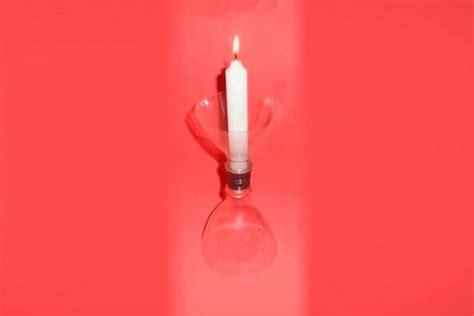 candelabros en botellas plasticas crea un candelabro con botellas de pl 225 stico