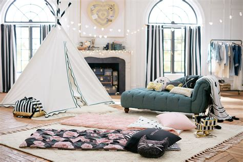 gorgeous emily and meritt for pbteen bedroom mypbteen pinterest pink walls blush color pbteen unveiled ultimate indoor gling collection