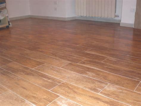 pavimenti finto parquet pin pavimenti in finto legno pappas on