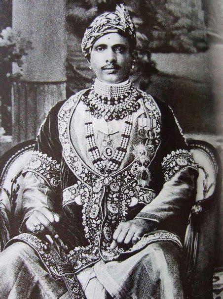 2 000 Square Feet the magnificent maharajas of india reena ahluwalia