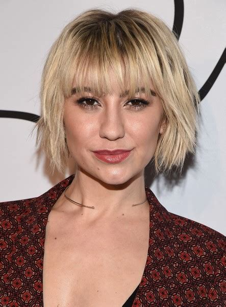 Chelsea Hairstyle by Chelsea Layered Razor Cut Hairstyles Lookbook