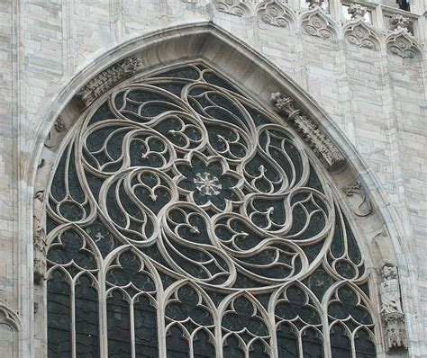 gothic design images of milan cathedral