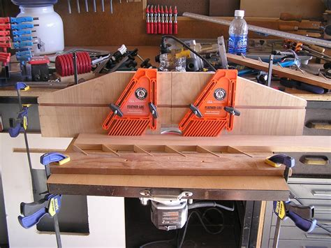 bench dog featherboard my first router table by lilredweldingrod
