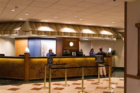office hotel file front desk paradise pier hotel 2014 jpg wikimedia