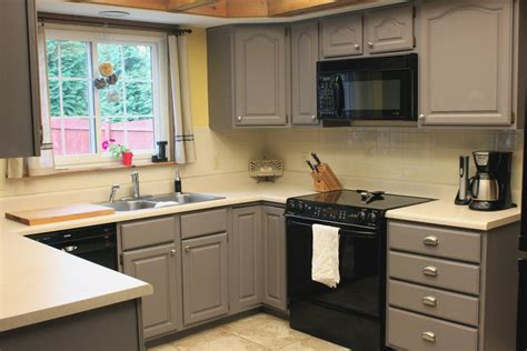 best kitchen cabinets for resale what is the best color to paint a kitchen for resale