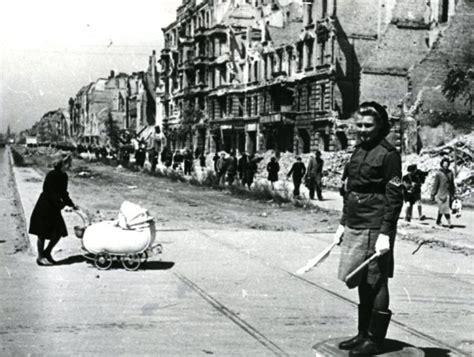 Critical Essays On Durrenmatt by World War Ii L Ombelico Di Svesda