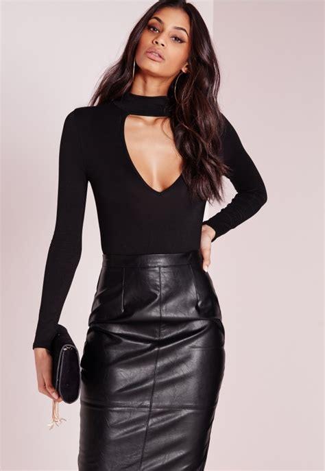 Hs Chocker Black Top 1 tab neck plunge bodysuit black missguided