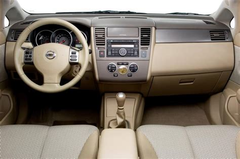 nissan tiida hatchback interior 2008 nissan tiida image https conceptcarz com