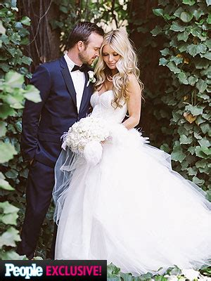 celebrity fashion boutique orlando aaron paul wedding in people magazine dress by kenneth