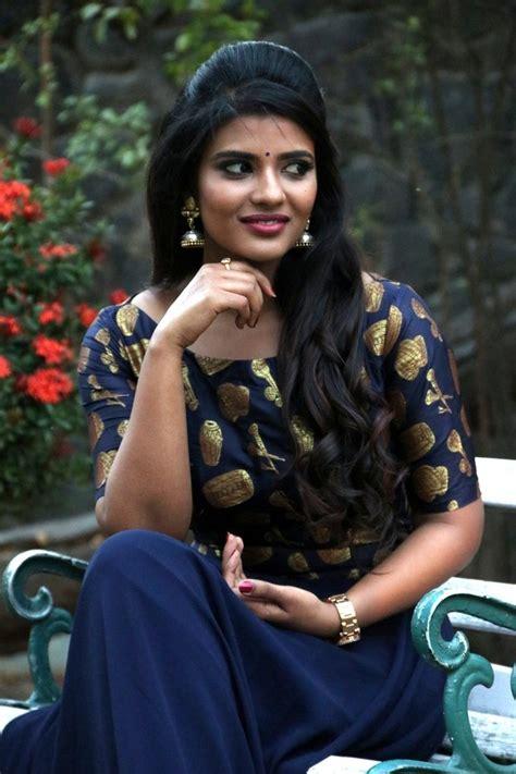 top  aishwarya rajesh beautiful wallpapers