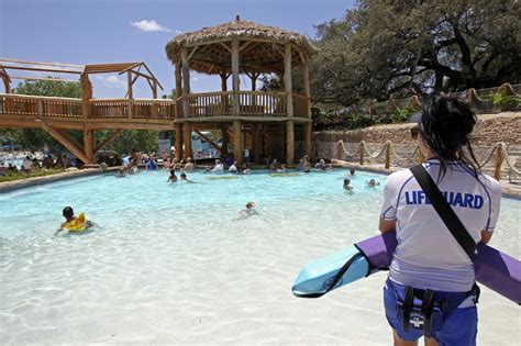 Schlitterbahn Application Schlitterbahn S Looking For Lifeguards Clocking In