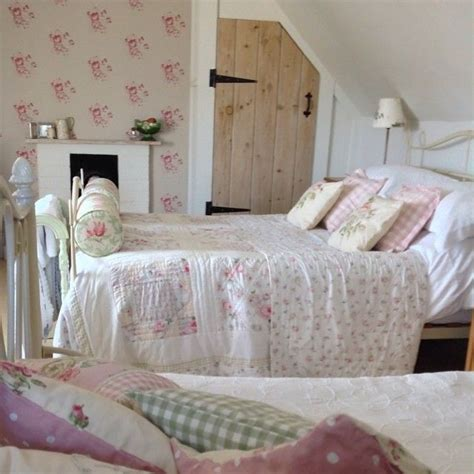 country cottage bedroom ideas best 25 cottage bedrooms ideas on