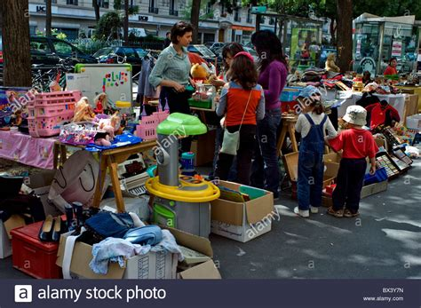 Second Garages Sale by Garage Sale Neighborhood Quot Vide Grenier