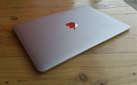 Laptop Apple Di Jogja kontak perkasa futures macbook selalu lebih mahal