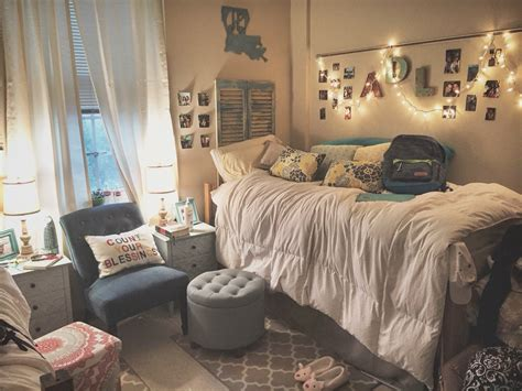 how to decorate your room with pictures download how to decorate my dorm room liming me
