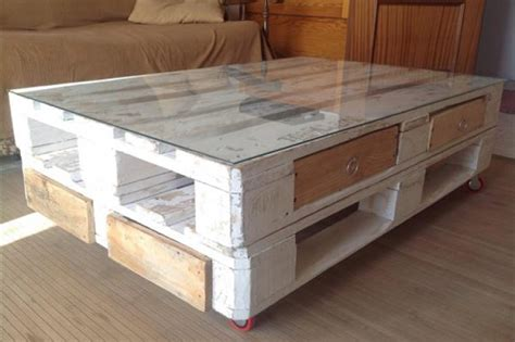 Easy Pallet Coffee Table Easy Pallet Up Cycling A Diy Pallet Coffee Table