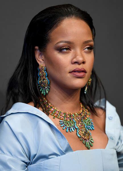 Rihanna Chandelier Rihanna Chandelier Earrings Looks Stylebistro