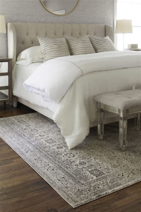 Bedroom Rugs by How To Choose The Bedroom Area Rug Overstock