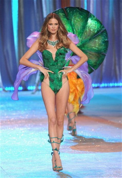Vivtorias Secret In Bloom the s secret fashion show images 2012 vsfs segment 6 in bloom wallpaper and
