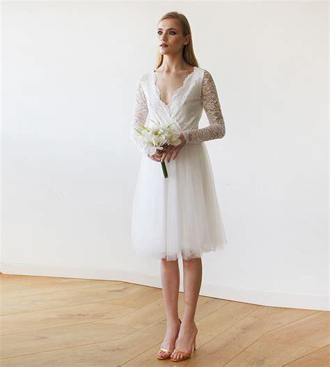 Midi Dress Brokat Model Kerah V 15 gaya midi wedding dress terbaik yang bisa jadi