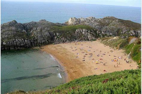 nudismo en casa playa nudista de somocuevas cantabria playas de cantabria