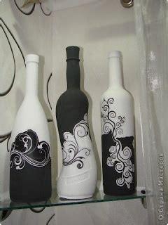 frascos decorados blanco y negro 14 ideas para decorar botellas de vidrio en blanco y negro
