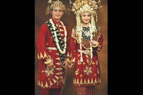 Baju Adat Sulawesi Barat pakaian adat padang related keywords pakaian adat padang keywords keywordsking