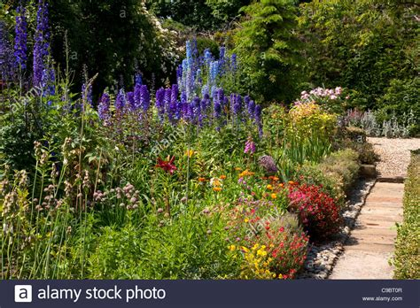 cottage garden borders classic summer cottage garden with herbaceous