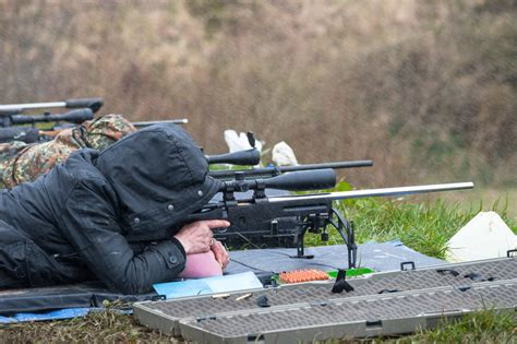 range shooting guide from a combat veteran rifles shooting tips books buyer s guide finding a budget range scope