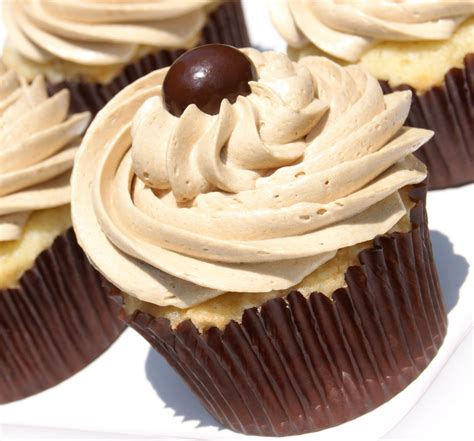 the best vanilla cupcake the best coffee buttercream