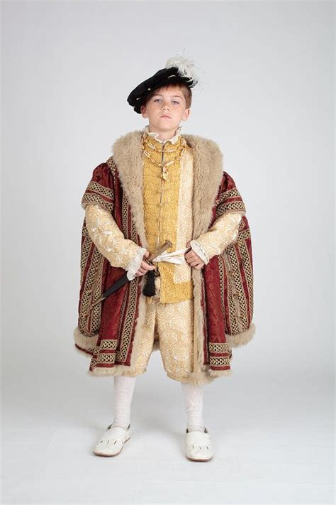 tudor clothing dress to impress 334 best costumes images on gas masks school ideas and school projects