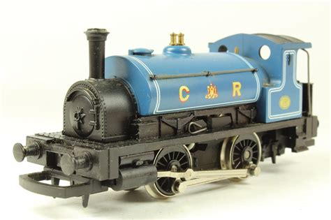hornby pug hattons co uk hornby r057 class 0f pug 0 4 0 270 in caledonian railways blue