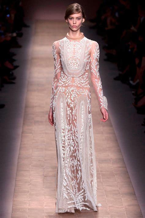 Naura Dress White electromode