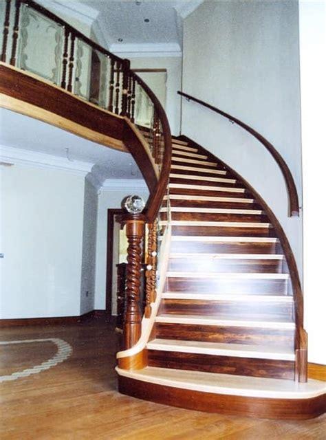 in pietra e legno scale in stile classico con varie finiture idfdesign