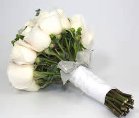 how to make bridal bouquet how to make a diy wedding bouquet bravobride bravobride