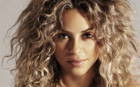 what color is shakira hair 2014 blonde hair colors for cool skin tones hairstyle blog