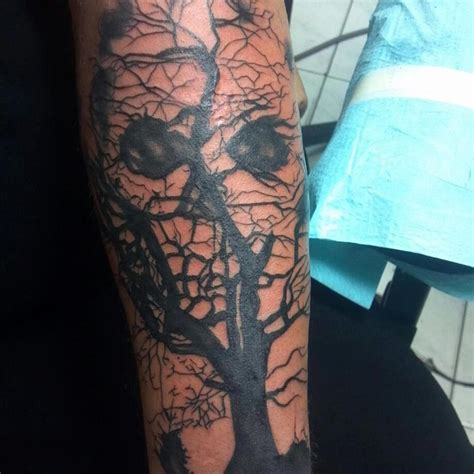 skull tree tattoo skull tree pretty cool tattoos