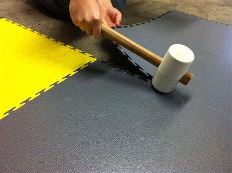 Werkstatt Bodenfliesen by Epoxidharzbeschichtung Vs Flexi Tile Bodenbelag