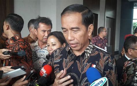 film danur indonesia ketika presiden jokowi juga nonton film danur layar id